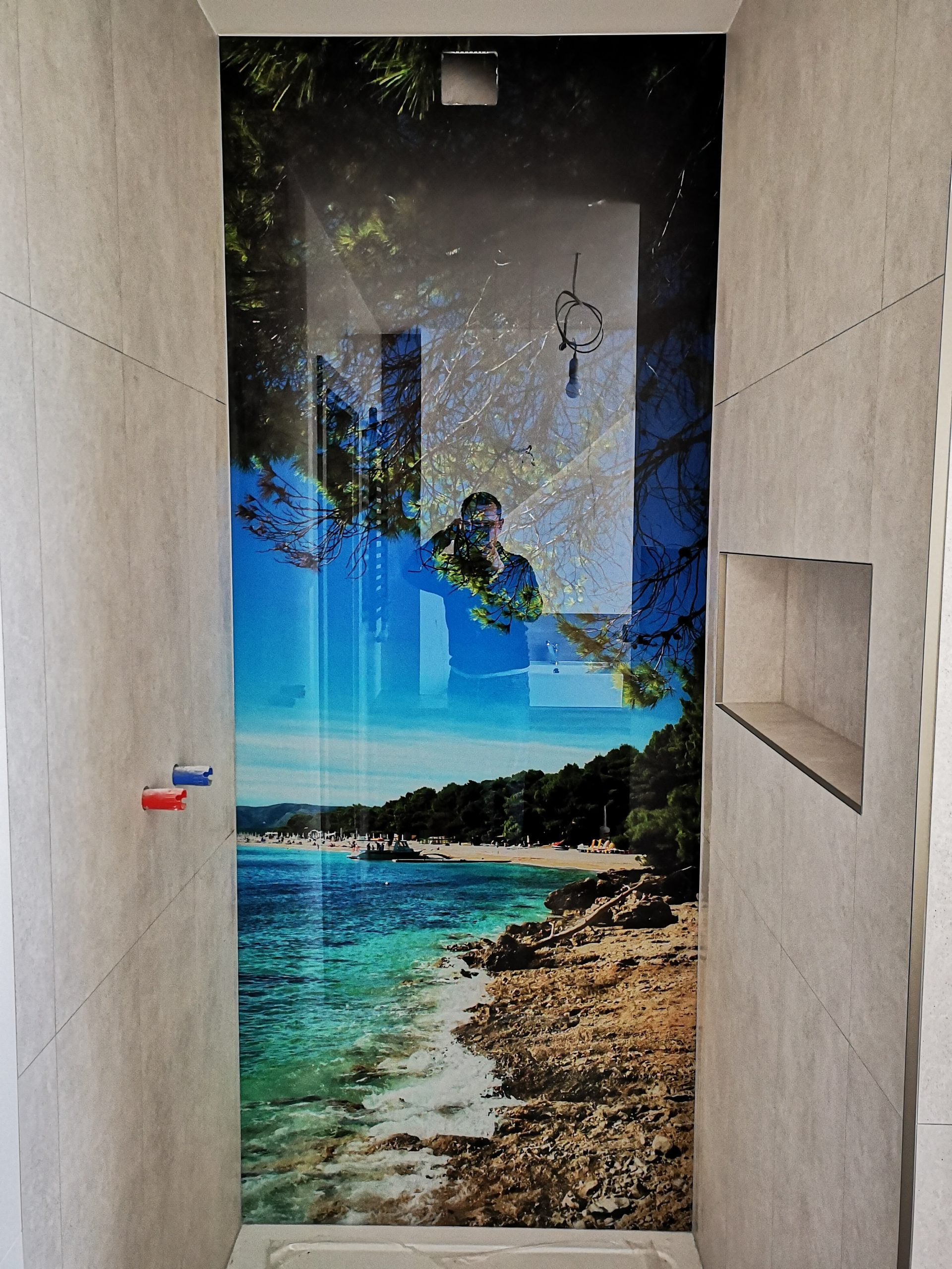 Panel szklany z grafiką do łazienki